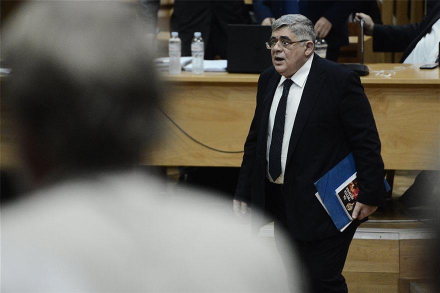 Δίκη Χρυσής Αυγής: Ένταση στην απολογία του Μιχαλολιάκου - Φωτογραφία 2