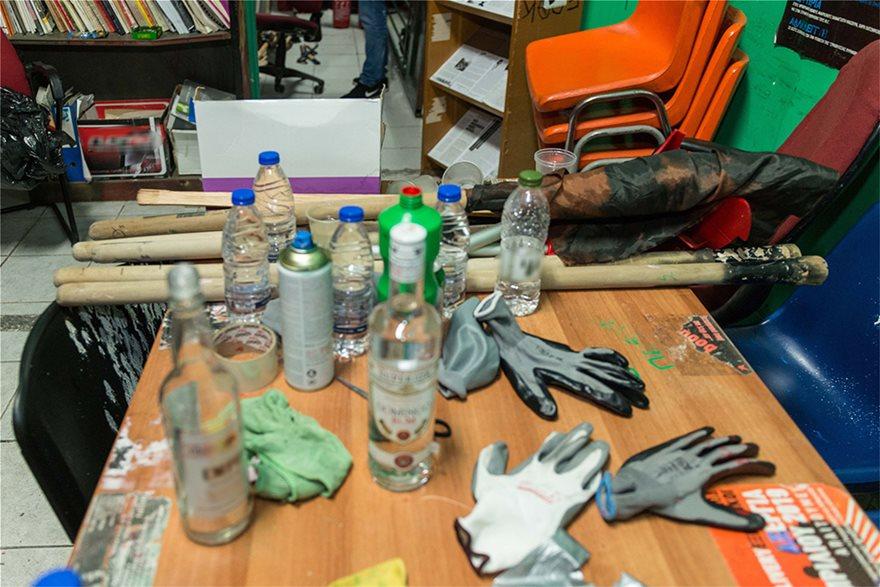 ΑΣΟΕΕ: Βρήκαν «επιχειρησιακό στρατηγείο» στο υπόγειο - Φωτογραφία 7