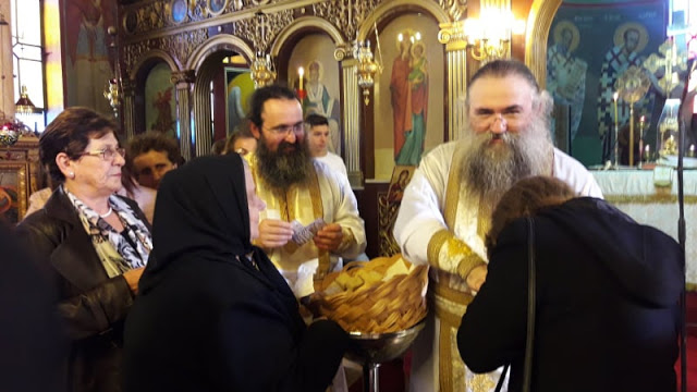 Ευλόγησον… Στα ΠΑΛΙΑΜΠΕΛΑ Βόνιτσας λειτούργησε ο ηγούμενος της Ιεράς Μονής Εσφιγμένου Αγίου Όρους Γέροντας Βαρθολομαίος - [ΦΩΤΟ: Στέλλα Λιάπη] - Φωτογραφία 8