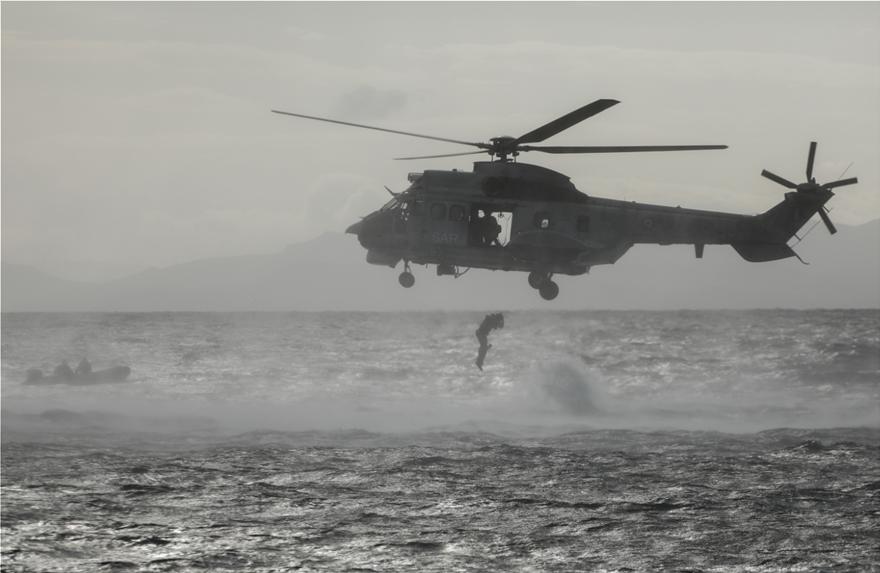 φωτος: Μαχητικά αεροσκάφη και ελικόπτερα στον ουρανό της Αθήνας-Ναυπλίον - Φωτογραφία 3