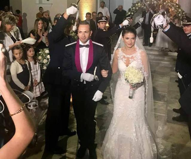 Παντρεύτηκε ο Διοικητής του Α.Τ. Αστακού Γιάννης Μπέσσας. Εντυπωσιακός ο γάμος με τα ξίφη... των Αστυνομικών!! - Φωτογραφία 1