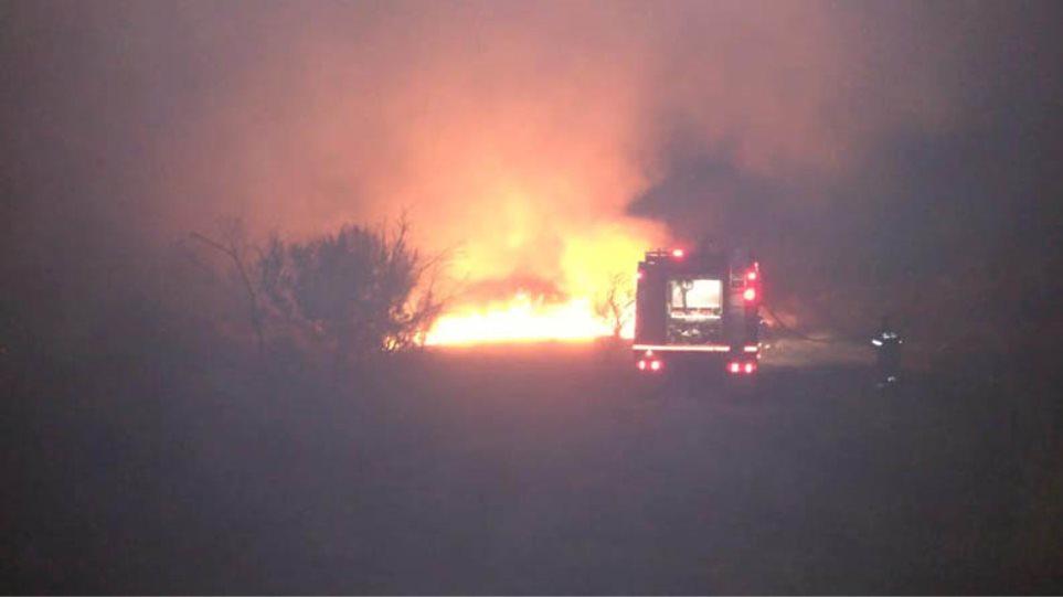 Μαραθώνας: Υπό έλεγχο η φωτιά που ξέσπασε σε δύσβατο σημείο - Φωτογραφία 1
