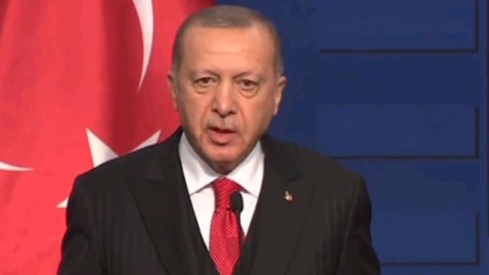 Ερντογάν: Δεν μπορούμε να αντικαταστήσουμε τα S-400 με τους Patriot... Ας έχουμε και τα δυο - Φωτογραφία 1