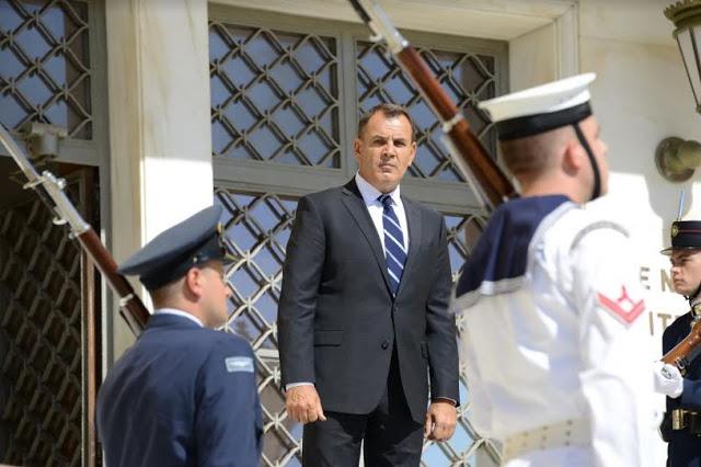 Ένας Υπουργός Άμυνας χωρίς φθορά! - Φωτογραφία 1