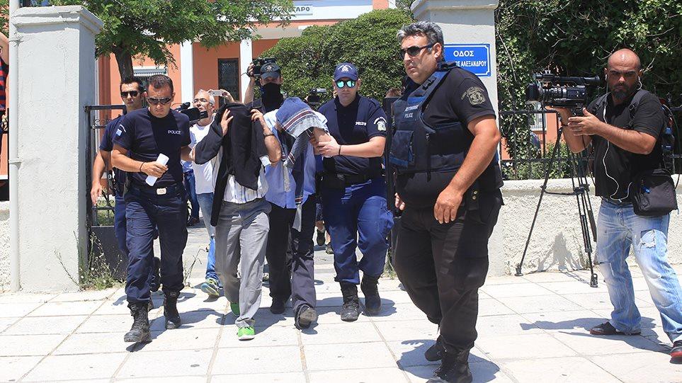 Επιχείρηση «Αστραπή» για τους 8 Τούρκους: Υπήρξε πολιτική απόφαση λέει ο δημοσιογράφος που αποκάλυψε το «παζάρι» - Φωτογραφία 1