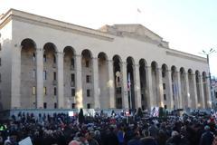 Πολιτικές αναταράξεις στη Γεωργία: 20.000 διαδηλωτές απαίτησαν πρόωρες εκλογές