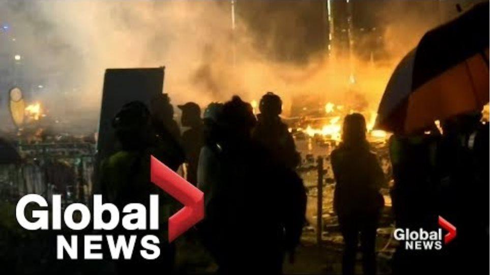 Εκτός ελέγχου η κατάσταση στο Χονγκ Κονγκ: Η αστυνομία απειλεί ότι θα χρησιμοποιήσει σφαίρες! - Φωτογραφία 7