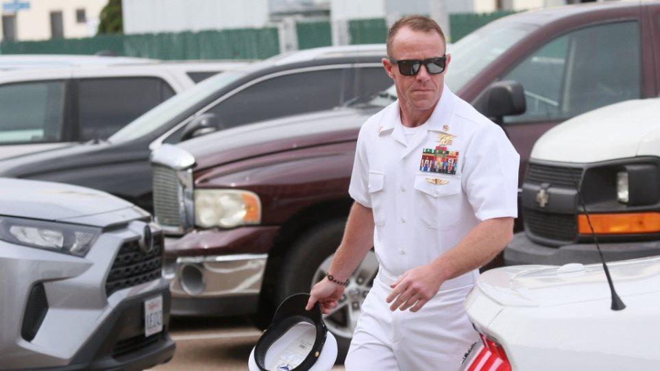 Το πολεμικό ναυτικό αγνοεί την παρέμβαση Τραμπ και συνεχίζει τη διαδικασία απόταξης καταδρομέα - Φωτογραφία 1