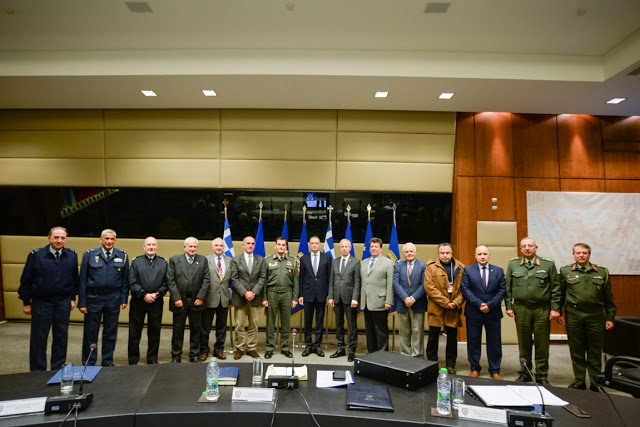 Σύσκεψη ΥΦΕΘΑ Αλκιβιάδη Στεφανή με το Συντονιστικό Συμβούλιο των τριών Ενώσεων Αποστράτων Αξιωματικών Ενόπλων Δυνάμεων - Φωτογραφία 1