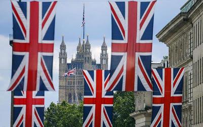Με ηλεκτρονική άδεια και διαβατήριο η είσοδος στη Βρετανία μετά το Brexit - Φωτογραφία 1
