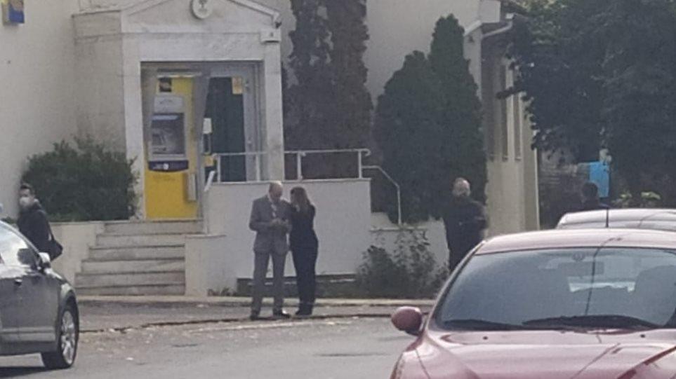 Άρπαξαν 200.000 ευρώ από την τράπεζα στη Χώρα Τριφυλίας - Φωτογραφία 1