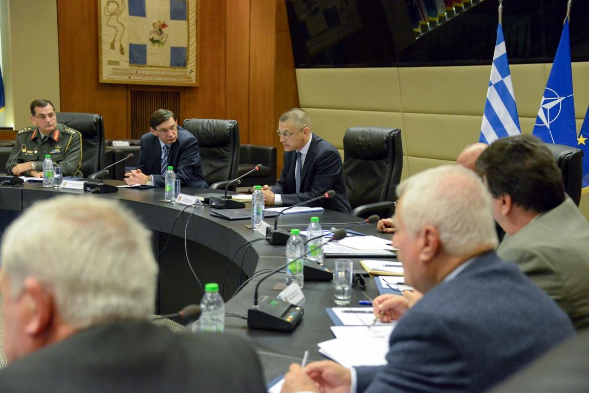 Σύσκεψη για μείζονα ζητήματα ε.α. και ε.ε. Στρατιωτικών-Τι συζητήθηκε (ΦΩΤΟ) - Φωτογραφία 1