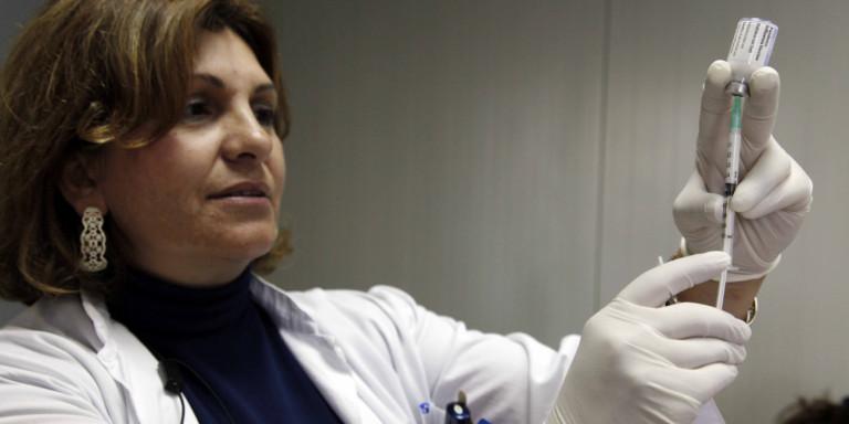 Γρίπη: «Θωρακίστηκαν» με 21.000 εμβόλια γιατροί, νοσηλευτές και προσωπικό των νοσοκομείων της χώρας - Φωτογραφία 1