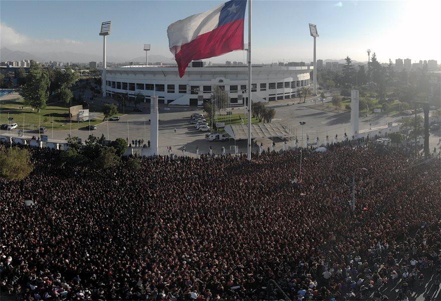 Χιλιάδες γυναίκες χόρεψαν εναντίον των βιασμών - Φωτογραφία 5