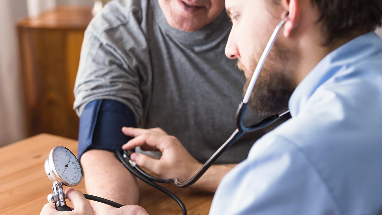Υπέρταση: Πιο επικίνδυνη όταν αυξάνεται η «μικρή» – Και άλλοι 14 μύθοι για την πίεση - Φωτογραφία 1