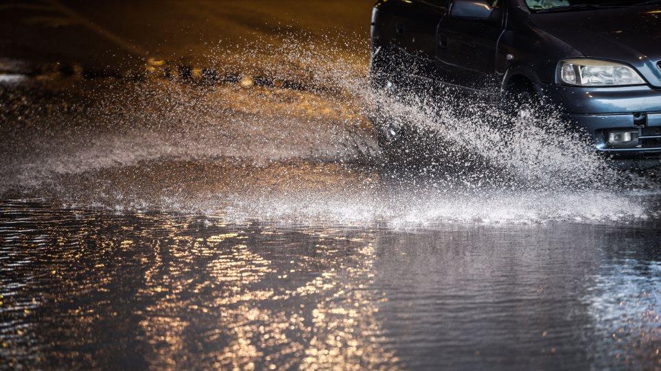 «Διδώ»: Σαρωτικό πέρασμα με μεγάλα ύψη βροχής από την Αττική - Φωτογραφία 1