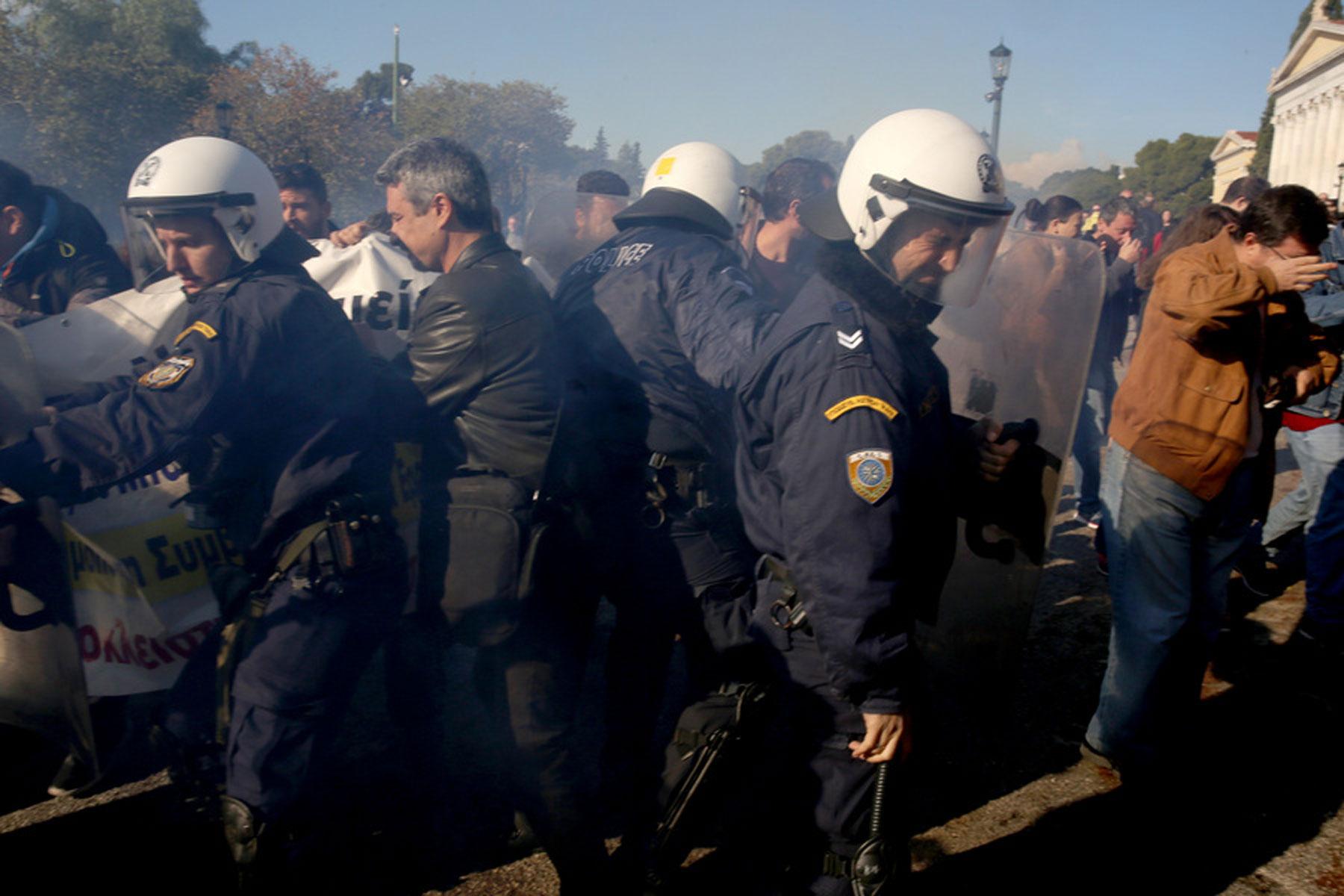 Τι λέει ο ΠΙΣ για τα επεισόδια στο Ζάππειο: «Δημοκράτες» νοσοκομειακοί γιατροί μας φίμωσαν - Φωτογραφία 8