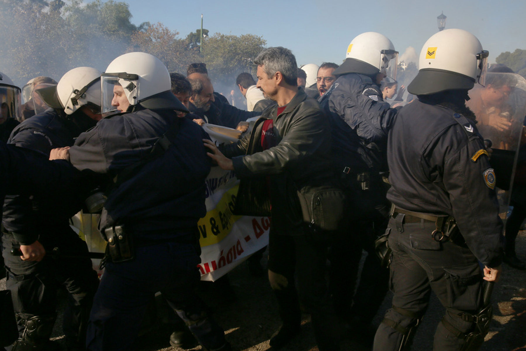 Τι λέει ο ΠΙΣ για τα επεισόδια στο Ζάππειο: «Δημοκράτες» νοσοκομειακοί γιατροί μας φίμωσαν - Φωτογραφία 9
