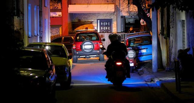 Ληστεία σε κατάστημα ψιλικών τα ξημερώματα στη Θεσσαλονίκη - Φωτογραφία 2