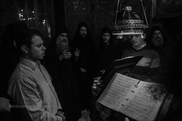 13021 - Στιγμές κατάνυξης στην Ιερά Μονή Καρακάλλου - Τί είχε πει ο Μακαριστός Γέροντας Εφραίμ για την Ελλάδα - Φωτογραφία 5