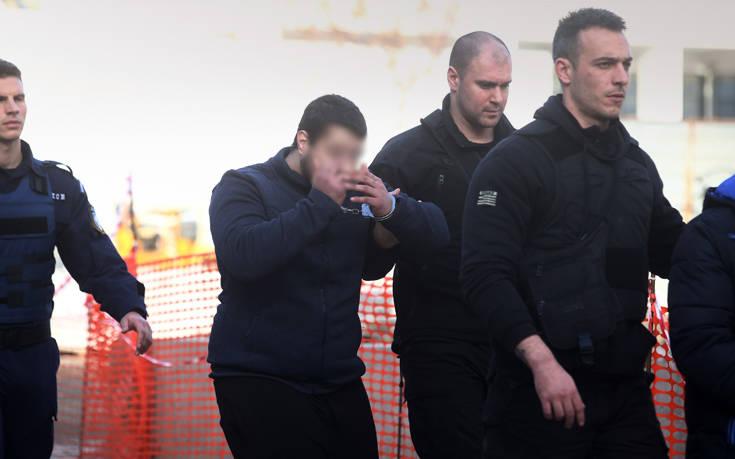 Ελένη Τοπαλούδη: Η άσεμνη χειρονομία κατηγορούμενου για τον βιασμό και τη δολοφονία της - Φωτογραφία 3