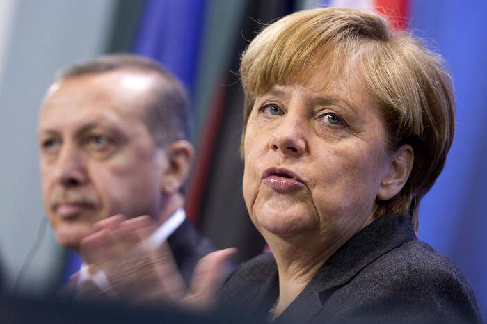 Bild: «Ο Ερντογάν ζήτησε από την Μέρκελ να αποκλειστεί η Ελλάδα από τη διάσκεψη του Βερολίνου» - Όλα «στημένα» - Φωτογραφία 1