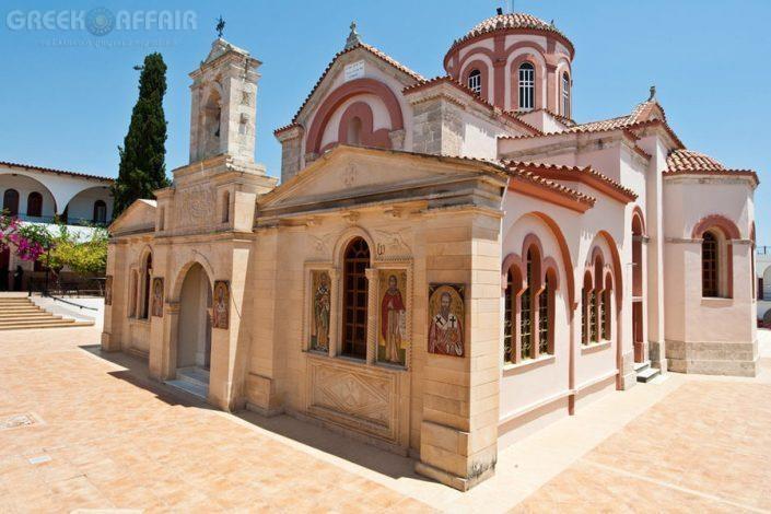 Ιερά Μονή Παναγία Καλυβιανής, Μοίρες Κρήτης - Φωτογραφία 1