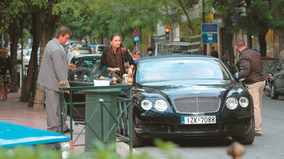 Τζίνα Αλιμόνου: Ελεύθερη, ωραία και με διαζύγιο - Φωτογραφία 1