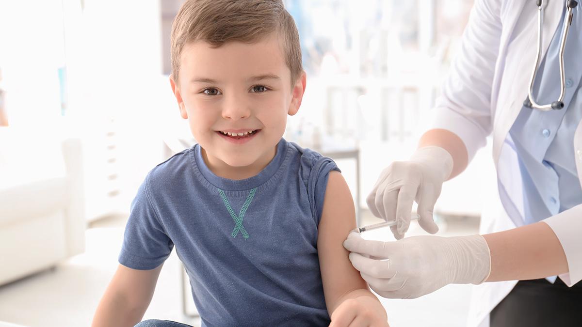 Το εμβόλιο που μειώνει κατά 54% τον κίνδυνο νοσηλείας του παιδιού - Φωτογραφία 1