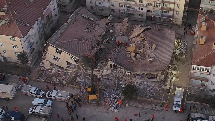 Φονικός σεισμός στην Τουρκία: Τουλάχιστον 21 οι νεκροί - Αγωνία για τους εγκλωβισμένους - Φωτογραφία 1