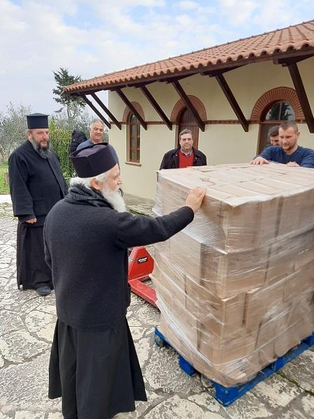 Παραδόθηκε στην Αλβανία η  ανθρωπιστική βοήθεια του Δήμου Αγρινίου - Φωτογραφία 2