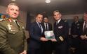 Επίσκεψη ΥΕΘΑ κ. Νικόλαου Παναγιωτόπουλου στο Ελικοπτεροφόρο «DIXMUDE» του Πολεμικού Ναυτικού της Γαλλίας - Φωτογραφία 8