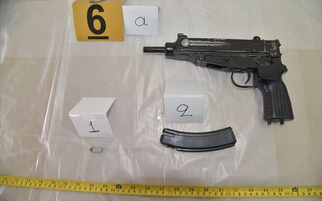 ΕΛΑΣ: Αυτά είναι τα «καθαρά» όπλα του «τοξοβόλου» - Και ληστεία τράπεζας ο 32χρονος - Φωτογραφία 3