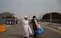 Κοροναϊός: Πρώτος νεκρός εκτός Κίνας, 304 συνολικά τα θύματα