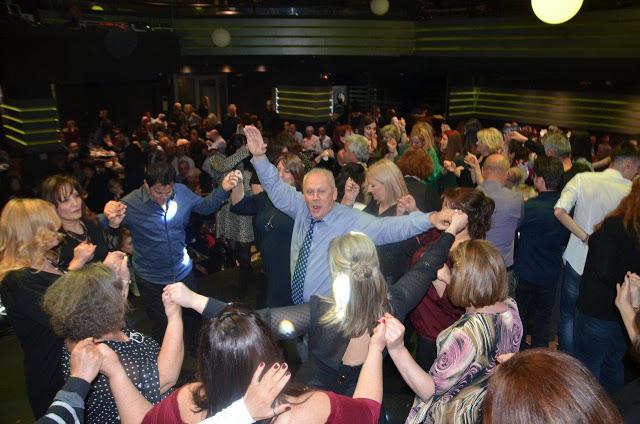 Βούλιαξε η αίθουσα, στη χοροεσπερίδα του ΣΥΛΛΟΓΟΥ ΜΑΧΑΙΡΙΩΤΩΝ Ξηρομέρου - Δείτε πλούσιο φωτορεπορτάζ - Φωτογραφία 1