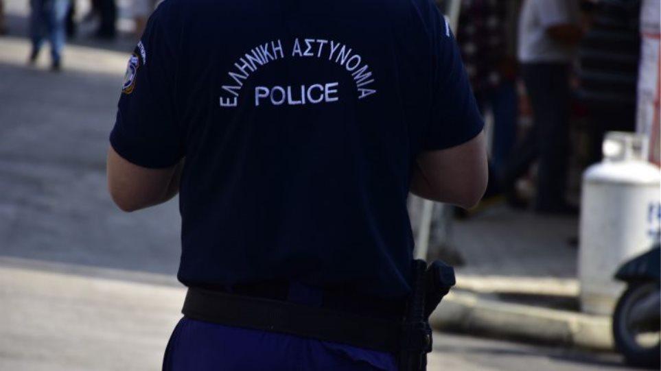 Συνελήφθη αστυνομικός για 11 ληστείες στην Αττική - Φωτογραφία 1