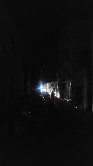 Πίσσα σκοτάδι στην πολυσύχναστη Αγία Αναστασία - φώος - Φωτογραφία 2