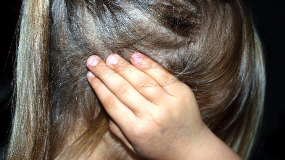 Νέα καταγγελία για ξυλοδαρμό μαθήτριας στο σχολείο του 8χρονου - Φωτογραφία 1