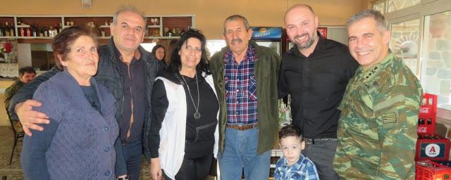 Με τους ανθρώπους του Συλλόγου Αινήσιο Δέλτα ο Διοικητής της ΧΙΙ Μ/Κ Μεραρχίας Πεζικού - Φωτογραφία 1