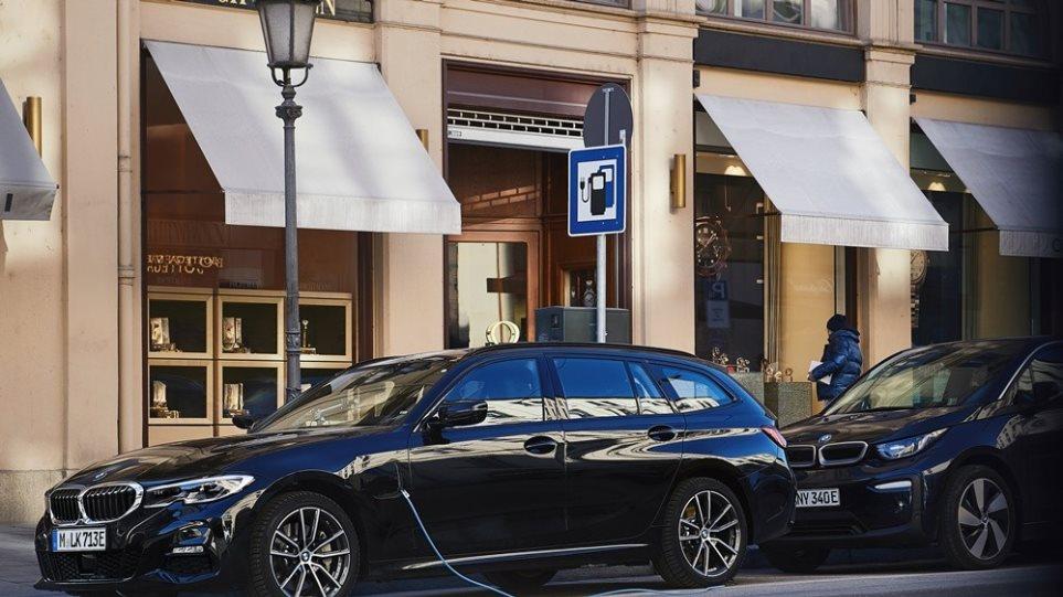 BMW 330e Touring - Φωτογραφία 1