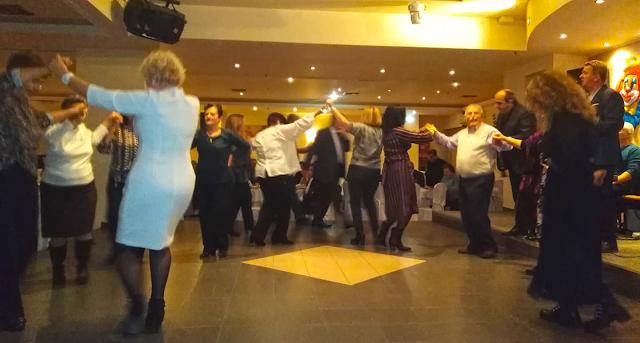 Πολύ όμορφη η Χοροεσπερίδα των εν Αθήναις ΒΟΝΙΤΣΑΝΩΝ στο Κέντρο Παλατάκι στην Καλλιθέα | ΦΩΤΟ - Φωτογραφία 1