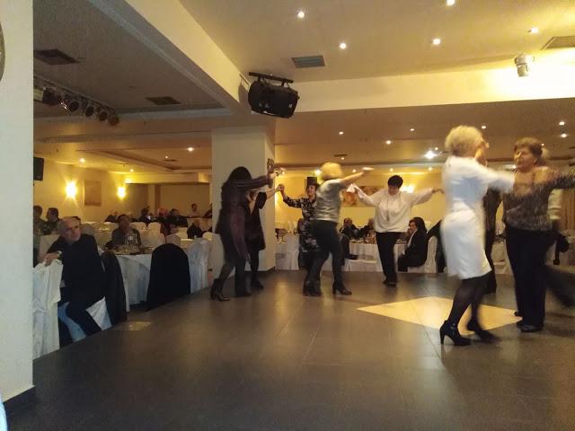 Πολύ όμορφη η Χοροεσπερίδα των εν Αθήναις ΒΟΝΙΤΣΑΝΩΝ στο Κέντρο Παλατάκι στην Καλλιθέα | ΦΩΤΟ - Φωτογραφία 39