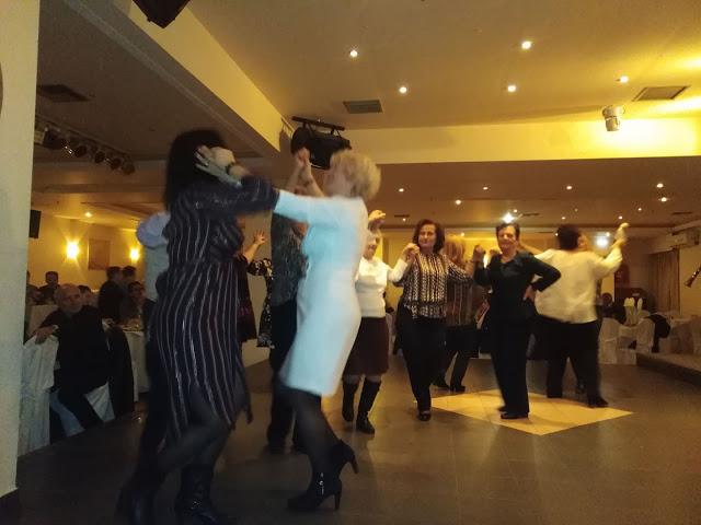 Πολύ όμορφη η Χοροεσπερίδα των εν Αθήναις ΒΟΝΙΤΣΑΝΩΝ στο Κέντρο Παλατάκι στην Καλλιθέα | ΦΩΤΟ - Φωτογραφία 48