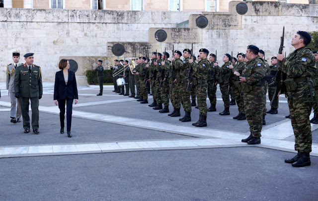 Συνάντηση ΥΕΘΑ κ. Νικόλαου Παναγιωτόπουλου με την Υπουργό Άμυνας της Γαλλικής Δημοκρατίας κ. Φλωράνς Παρλύ - Φωτογραφία 13
