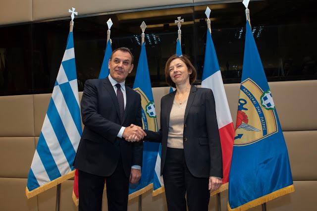 Συνάντηση ΥΕΘΑ κ. Νικόλαου Παναγιωτόπουλου με την Υπουργό Άμυνας της Γαλλικής Δημοκρατίας κ. Φλωράνς Παρλύ - Φωτογραφία 4