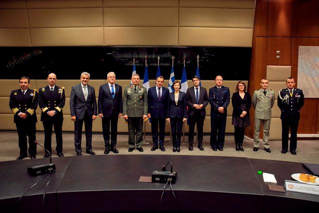 Συνάντηση ΥΕΘΑ κ. Νικόλαου Παναγιωτόπουλου με την Υπουργό Άμυνας της Γαλλικής Δημοκρατίας κ. Φλωράνς Παρλύ - Φωτογραφία 9