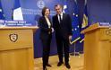 Συνάντηση ΥΕΘΑ κ. Νικόλαου Παναγιωτόπουλου με την Υπουργό Άμυνας της Γαλλικής Δημοκρατίας κ. Φλωράνς Παρλύ - Φωτογραφία 8