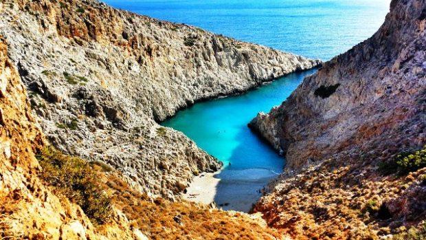 Η «άγνωστη» παραλία, μια ανάσα από τα Χανιά, βγαλμένη από τα ωραιότερα καλοκαιρινά σου όνειρα! - Φωτογραφία 1