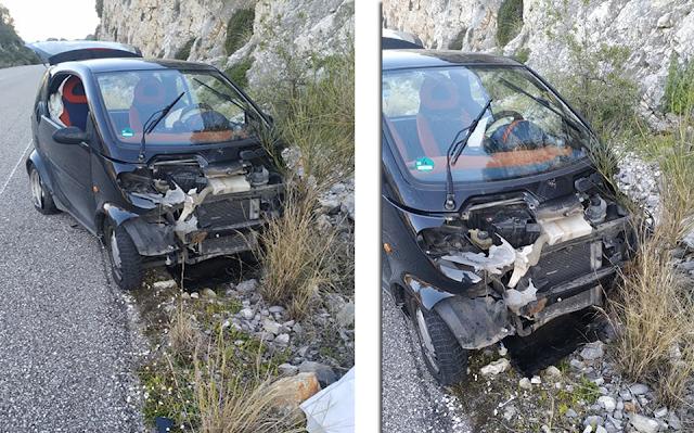 ΜΥΤΙΚΑΣ: Τροχαίο ατύχημα στο Δρόμο Μύτικας-Αστακός (στο ύψος Αγριλιάς) - [ΦΩΤΟ] - Φωτογραφία 1