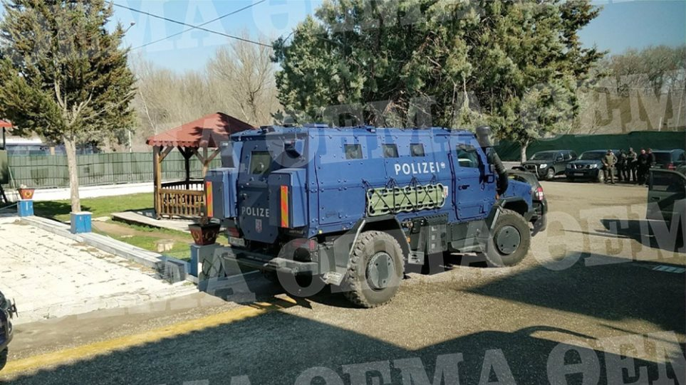 Έβρος: Έφτασε το αυστριακό όχημα για τη φύλαξη των συνόρων - Φωτογραφία 1